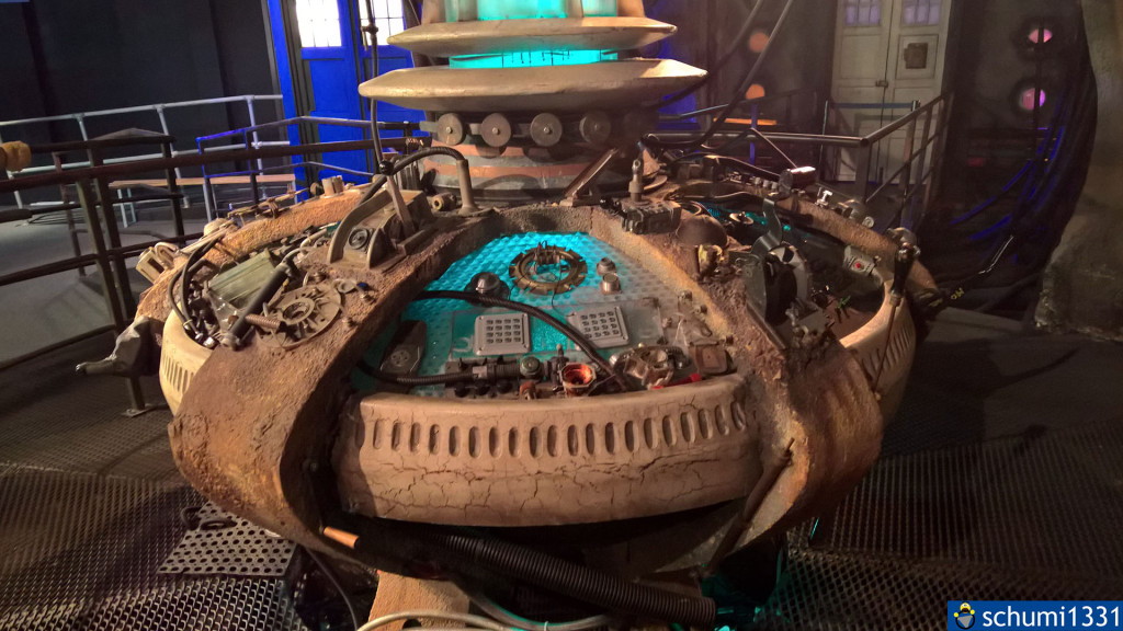 Die Steuerkonsole der TARDIS des 9. Doctor - sie ist eindeutig nicht mehr die modernste