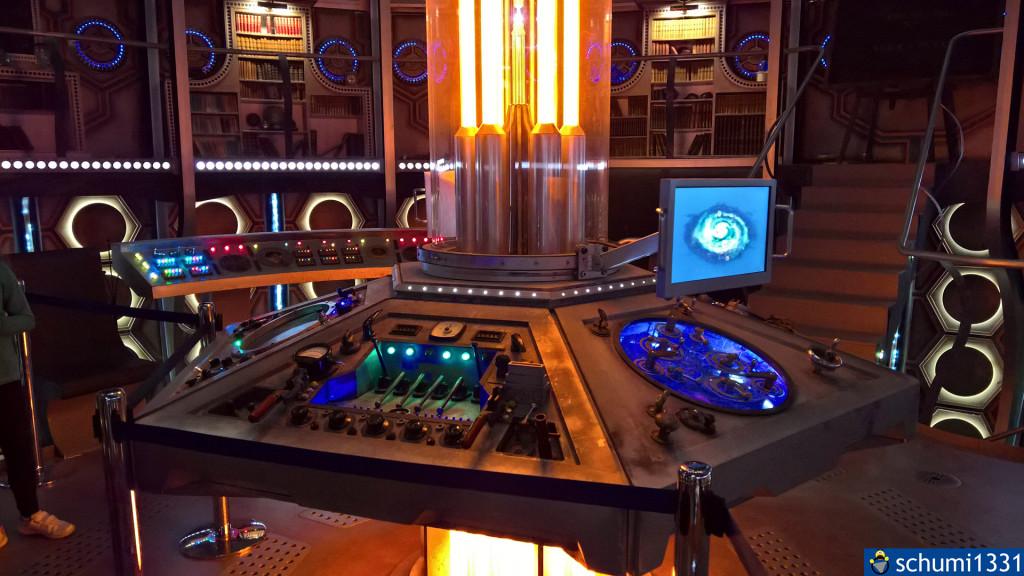 Die Steuerkonsole der TARDIS des 12. Doctors (vergleicht diese mal mit der des 9. von oben :D )