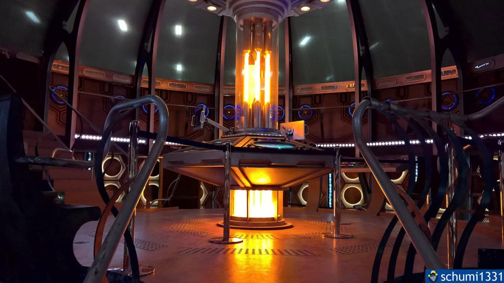 """TARDIS-Innenleben """"von unten"""""""