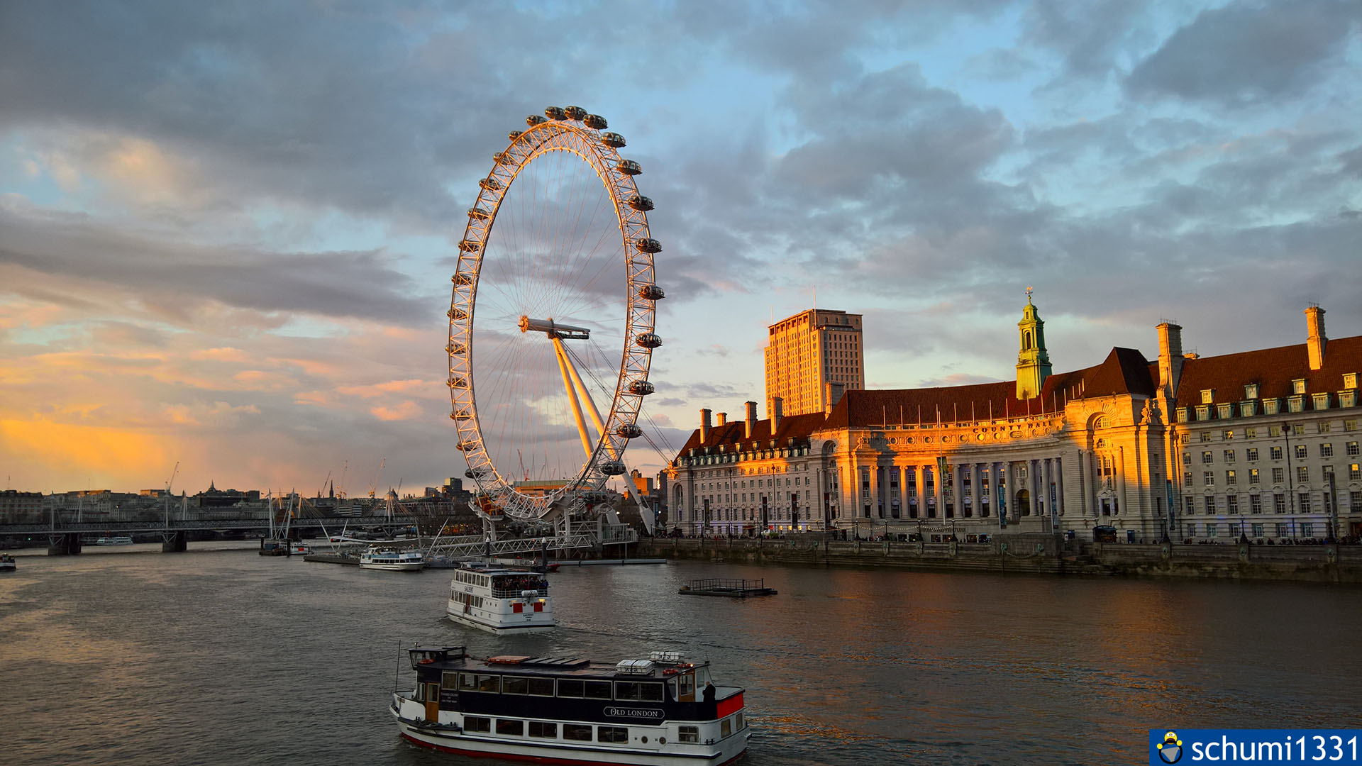 Das London Eye im Sonnenuntergang