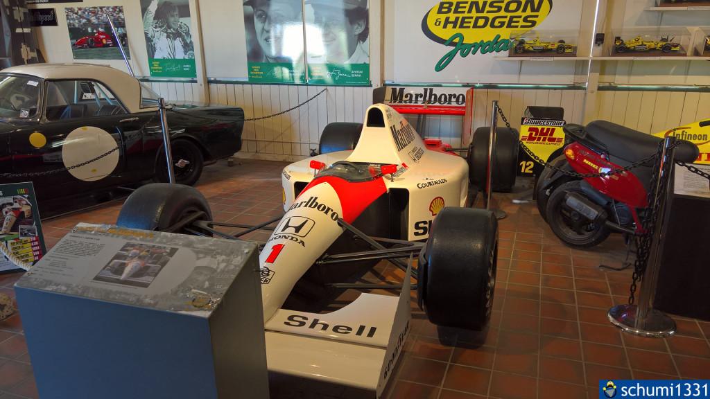 ...und Formel 1-Wagen :D