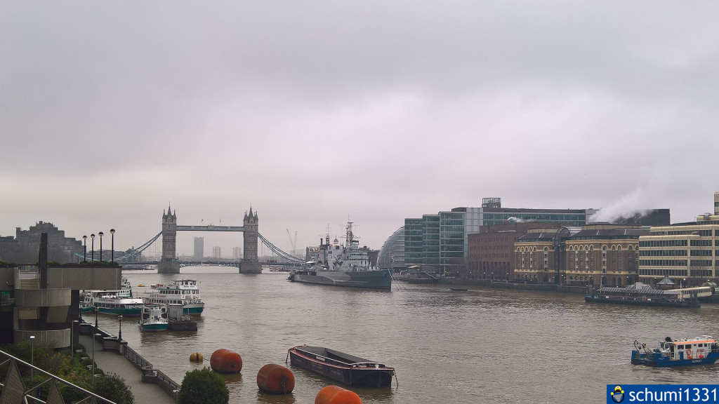 Die Tower Bridge und Themse <3